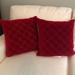 Set of 2 Christmas Pillows